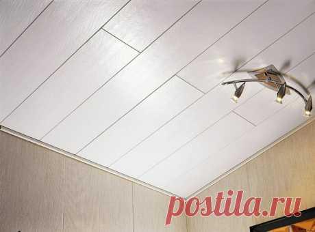 8 причин, почему стоит сделать потолок из пластиковых панелей