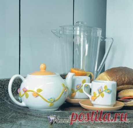 Как декорировать чайную посуду лепкой Как декорировать чайную посуду лепкой, фрагментами из холодного фарфора, вы узнаете из мастер-класса. Гораздо интереснее видоизменить имеющуюся посуду