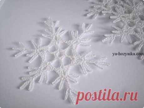 Ажурные снежинки крючком схемы. Схемы вязания снежинок