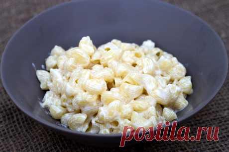 Быстрые макароны с сыром. Простой рецепт вкуснейших макарон с сыром, сливками и чесноком.