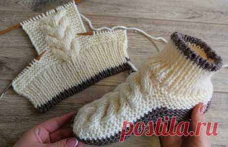 Очаровательные следки-сапожки.  Вяжем из теплой,толстой пряжи-спицами. . Нам нужны:  пряжа Nako Sport Wool(25% шерсть,75% премиум,100 гр/120 метр.)  спицы 5,5 мл. на леске