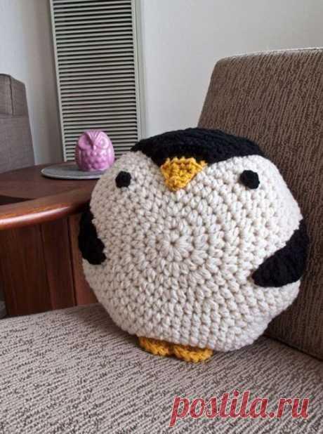 Подушка пингвин крючком