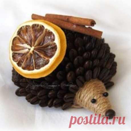 Ёжики из кофейных зерен. Осень в украшениях из полимерной глины: делаем листочки - МирТесен