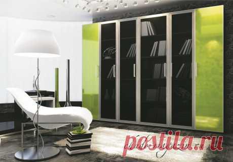 Распашной шкаф с прозрачными стеклянными дверями С-1. В интернет-магазине Chudo-magazin.ru в Москве.