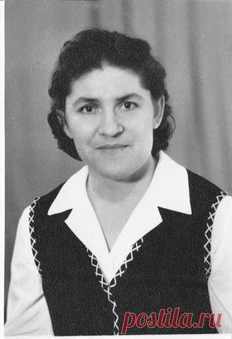Алиса Вакарь