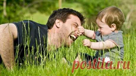 30 советов психолога, как вырастить из сына Замечательного мужчину Попробуем обобщить и хоть как-то систематизировать, что же нужно делать (и чего не делать), чтобы растить настоящего мужчину, ответственного отца семейства с малых лет. 1. Все делать для того, чтобы у сына был полноценный отец. Если у женщины никак не получается совместная жизнь с мужчиной, но он не обременен серьезными нравственными пороками и вредными привычками, всецело способствовать интенсивным контактам сына