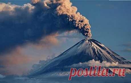 Извержение Ключевского дало шлейф пепла в тысячу километров длиной :: Новости :: ТВ Центр - Официальный сайт телекомпании
