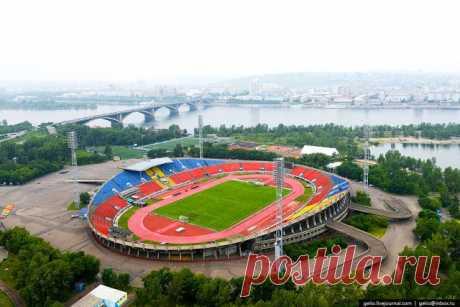 Центральный стадион на острове Отдыха.