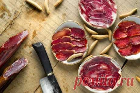 Какими продуктами можно заменить колбасу?
