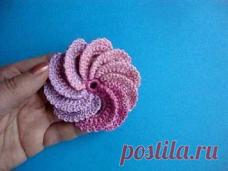 ▶ Спиральный цветок Вязание крючком Урок 22 Spiral crochet flower - YouTube