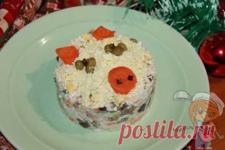 Салат без колбасы и без мяса - простой и вкусный рецепт на праздник Рисовый салат без колбасы. На Новый Год такое угощение станет хитом застолья.В нем много овощей, есть грибы и вареные яйца. Пошаговый рецепт салата