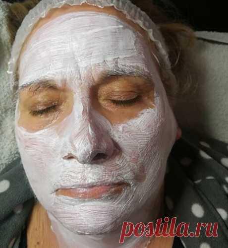 В свои 63 года делаю природные маски для лица. Себестоимость продуктов 100 рублей. Кожа стала моложе и светлее | Не в возрасте дело | Яндекс Дзен