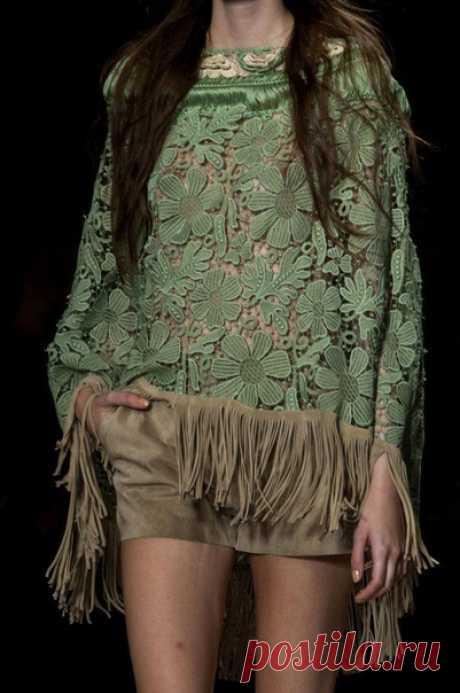 Alberta Ferretti #детали_кроя #идеи_кроя #детали_моды #мода_в_деталях #Couture_в_деталях