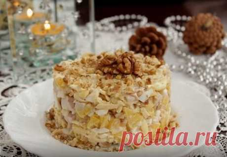 Салат с курицей, яблоком и грецкими орехами – рецепт с фото пошагово