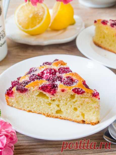 Рецепт бисквитного пирога с малиной 🔥 на Вкусном Блоге