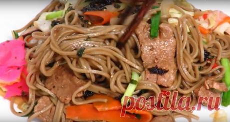 Жареная лапша с овощами, мясом и грибами: рецепт вкусного блюда