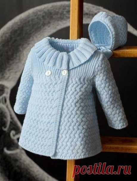 Пальто для девочки на теплую осень