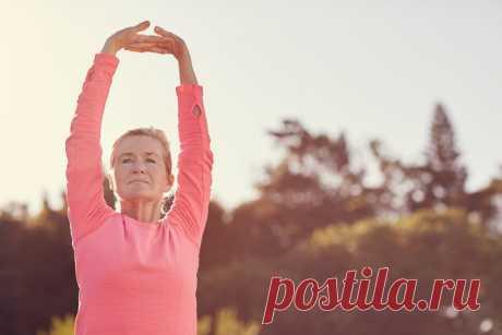 Женщинам за 40 обязательно! Эти 5 упражнений нужно выполнять каждый день Все мы понимаем, что с возрастом женское тело и фигура подвергаются изменениям. Годы вносят свои коррективы. После 40 замедляется обмен веществ, происходят гормональные изменения, а тело становится ме…