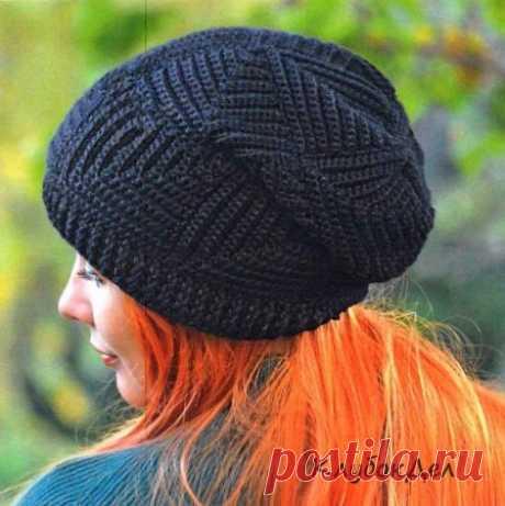 Шапка крючком «Черные квадраты» Женская шапка, связанная крючком в современном стиле, схемы с описанием вязания.