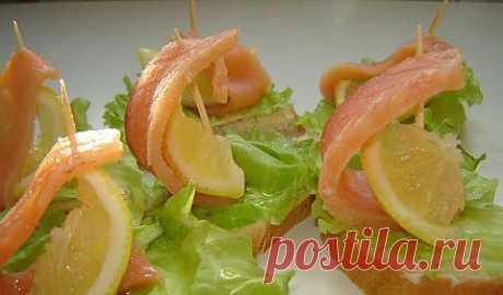 Красивые бутерброды с семгой «Кораблики» рецепт приготовления