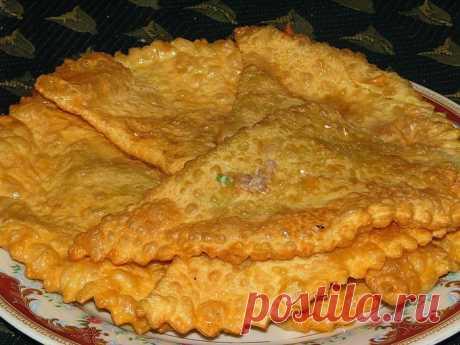 Рецепт настоящих крымских чебуреков: тонкие и сочные Вкусные, сочные и тонкие. Настоящее наслаждение!