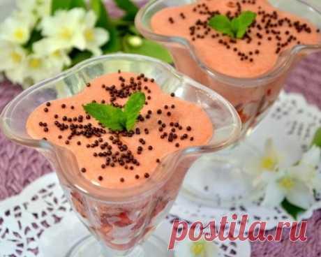 Клубничный десерт с желатином