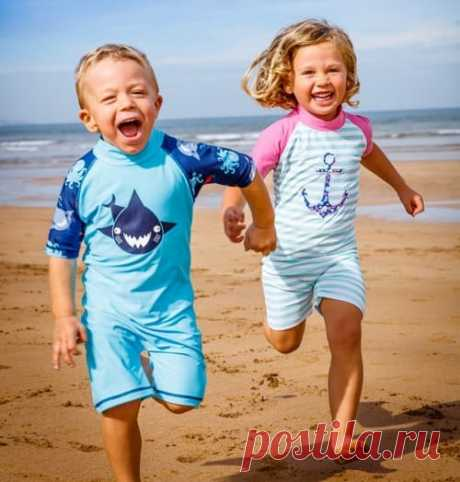 Солнцезащитный костюм - необходимая вещь длязащиты ребенка от солнца на море!