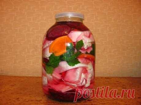 Капуста, маринованная с овощами за сутки. Маринованные кабачки с капустой на зиму: простой рецепт с фото Рецепт маринованной капусты с овощами