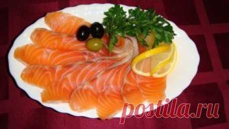 Малосольная семга! Малосольная семга! На праздничном столе или просто так – малосольная семга всегда к месту, а как ей радуются любители благородной рыбы!