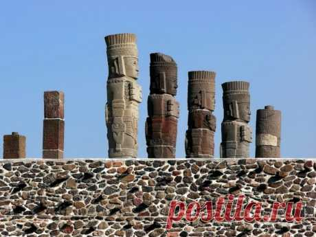 Гигантские статуи воинов «Храма Утренней звезды» в мексиканской Туле | Pentad
