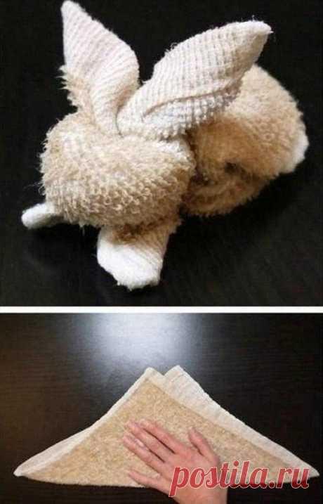 Зайчики из полотенец.
