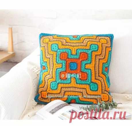 Чехол на подушку.  #для_дома #для_уюта #подушка_крючком #узор_крючком #мотив_крючком #вязание_крючком #вязание_крючком@shtuchki_ot_levoruchki