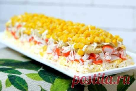 Крабовый салат «новинка» с сухариками и плавленым сыром — СОВЕТНИК