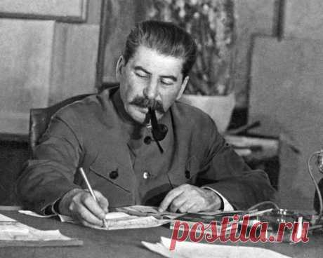 "For what Stalin repressed companion Novoseltsev? Details of landings of one more of ""the innocent victims\"" of Stalin \u000a\u000a\u000a\u000a\u000aIn the fall of 1942 in Pochinkovsky district of Gorky area the children dressed in a tatter stealing potatoes and grain from kolkhoz fields were caught. It became clear that \""the crop was reaped\"" by pupils the area …"