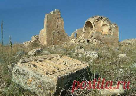 Սուրբ Թեոդորոս / Թորոս (Զորավարաց) եկեղեցի Surp Teodoros (Toros) veya Zoravarats Ermeni Kilisesi Surp Teodoros (Toros) or Zoravarats Armenian Church  Ի ԿԱՄՍ ԱՄԵՆԱՍՈՒՐԲ ԵՐՐՈՐԴՈՒԹԵԱՆ ԵՍ ԹԷՈԹՈՍ... ՍԵԲԱՍՏՈՍ ՈՐԴԻ ԿՈՍՏ... ՈՐԴՒՈՅ ՌՈՒԲԵՆԻ ՇԻՆԵՑԻ ԶԵԿԵՂԵՑԻՍ... ՓՐԿՈՒԹԵԱՆ ՀՈԳՒՈՅ ԻՄՈՅ ԵՒ ՅԻՇԱՏԱԿ ԾՆՈՂԱՑ ԻՄՈՅ ԵՒ Ի ԿԵՆ(ԴԱ)ՆՈՒԹԻՒՆ... (ԲԱՐԵ)ԽԱՒՍՈՒԹԵԱՄԲ... ՅԻՇԵՍՋԻՔ ԶԹԷՈԴՈՍ ՈՐԴԻ ԻՄ ԶԿՈՍՏԱՆԴԻՆ Ի ՍՈՒՐԲ ՅԱՐԺԱՆԱՒՈՐ ՅԱՂԱՒԹՍ ՁԵՐ Ի ՔՍ ՅՍ Ի ՏԷՐ ՄԵՐ Ի ԹՎԻՆ..