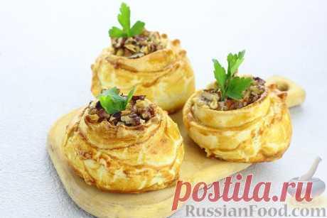 Слойки – выпечка в виде пирожка, как правило, с начинкой