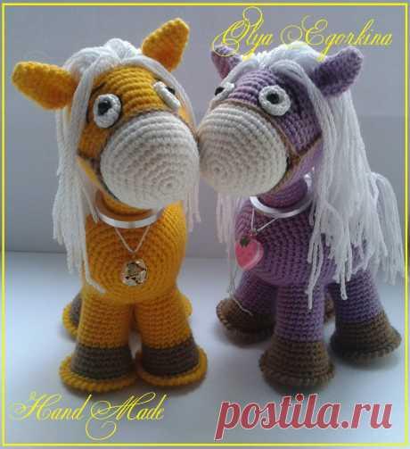 PDF Лошадка. FREE amigurumi crochet pattern. Бесплатный мастер-класс, схема и описание для вязания игрушки амигуруми крючком. Вяжем игрушки своими руками! Лошадь, лошадка, конь, horse, caballo, cheval, pferd, gaul, cavalo. #амигуруми #amigurumi #amigurumidoll #amigurumipattern #freepattern #freecrochetpatterns #crochetpattern #crochetdoll #crochettutorial #patternsforcrochet #вязание #вязаниекрючком #handmadedoll #рукоделие #ручнаяработа #pattern #tutorial #häkeln