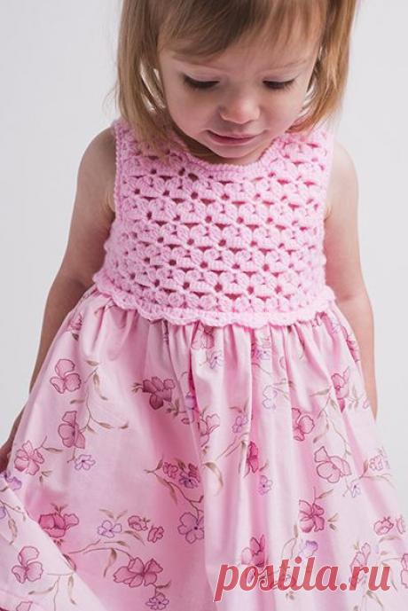 Вязание крючком + ткань, в результате очаровательное платье, для маленькой принцессы! Схемы, идеи и примеры! | Юлия Жданова | Яндекс Дзен