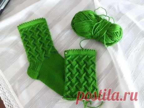 Красивый узор для носков спицами
