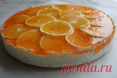 Творожный торт для стройных сладкоежек Ингредиенты: Молоко обезжиренное 250 г Творог обезжиренный 250 г Апельсин 1,5 шт. Овсяные хлопья 100 г  Стевия Пакетик желатина