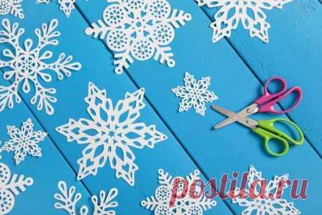 Красивые снежинки из бумаги — схемы для вырезания Красивые снежинки, вырезанные своими руками из бумаги, оживляют праздничное убранство
