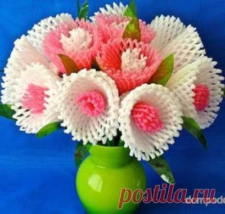 Весенние цветы из бросового материала. Мастер класс.