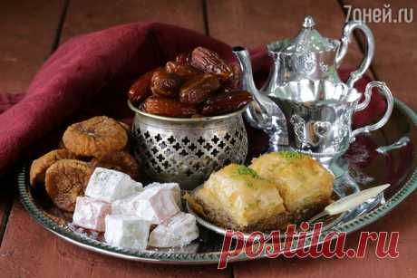 Halvah, baklava and rahat lakoum: four recipes of east sweets