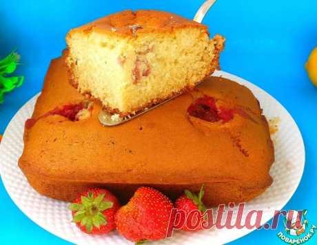 Пышный пирог на кефире с клубникой – кулинарный рецепт