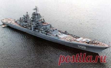 Главные боевые корабли мира Мощь государства всегда определялась военно-морским флотом. Мобильность контроль прибрежных зон, блокирование портов — неудивительно, что флоту придается такое значение и в современном мире, где прави…