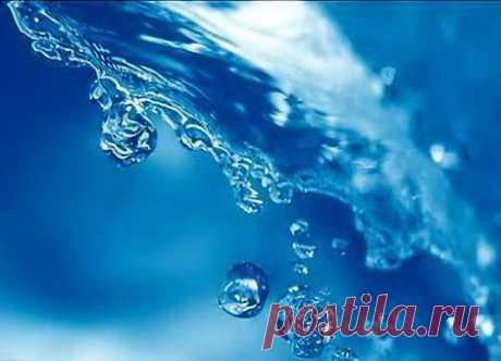 ЗАГОВОР НА ПРИЛИВ СИЛЫ И ЭНЕРГИИ НА ВОДУ  Берем прозрачный сосуд ,наполняем ее талой ,родниковой водой. Ставим на подоконник ,чтобы на нее падал лунный свет.Бежит вода - водица , прозрачный ручеекПо камням и сучям серебристый мотылекУтром от…