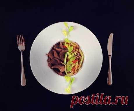 Салат из ростбифа с мисо | О вкусной еде