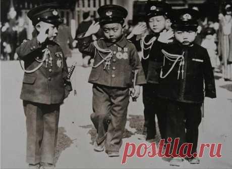 Dear Yaponskiye #дети in military suits. #Япония. 1937.\u000a\u000a#историческиефото #ретрофото of #история #интересное of #занимательное_право #живойзакон #livelaw