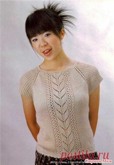 Summer top with sleeves a raglan and a braid on the center. Spokes - the Country of Mothers