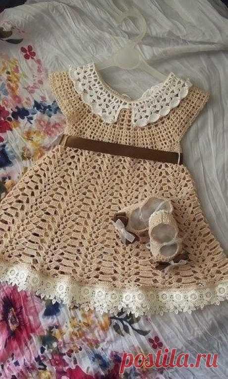 Красивое ажурное платьице для малышки